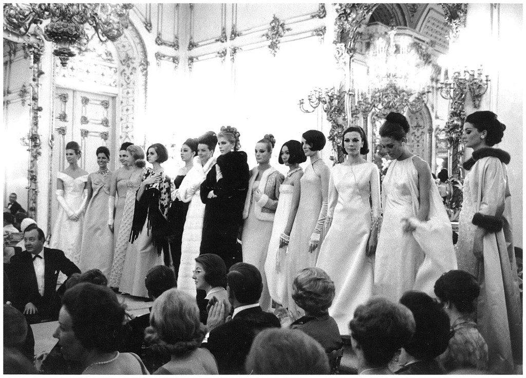 Dizionario della Moda Mame: Valentino. La sfilata a Palazzo Pitti, 1962.