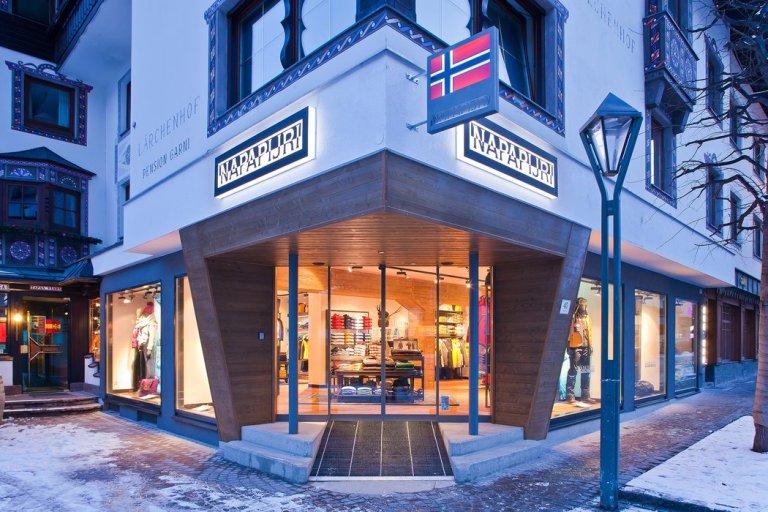 Napapijri. Il negozio di Sant'Anton in Austria.