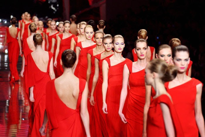 Dizionario della Moda Mame: Valentino. La collezione per l'addio alle passerelle, 2008.